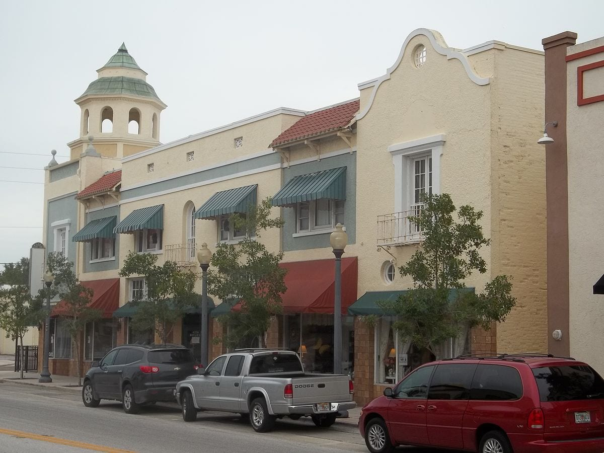 Downtown New Port Richey Merchants Host Sunday In The City